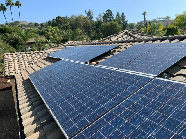 We have licensed roofing contractors riverside